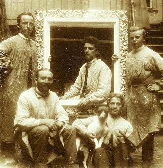 Gruppenbild mit Hund - im Geschäft der Kunsthandlung Reichard